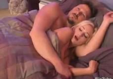 Con gái thích ngủ với bố loạn luân