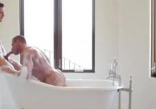 Gay làm loạn trong bồn tắm (sex HD)